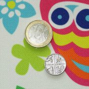 close-up mura fabric